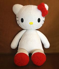 free knitting pattern for jumbo Hello Kitty (48cm tall)
