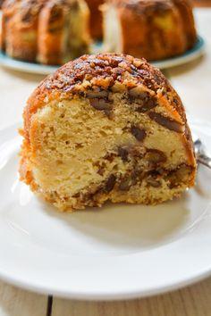 Cream Cheese Coffee Cake | The Hungry Traveler | www.thehungrytravelerblog.com