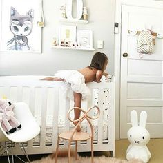 Simple and magical combination of light pastels and monochrome. This is my favorite for a neutral nursery because you can add/change/grow so easily in it - we all know the 1st bday itch to redecorate! Very stylish mama and escape artist @kellie.pardoe  #kidsroom #kidsinterior #auskidshandmade #interior #decoration #instakids by stylishkids_australia