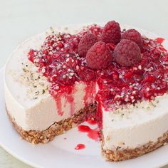 Raw Vegan Raspberry Vanilla Cheesecake!