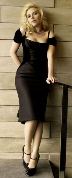 Tumblr Scarlett Johansson, Beautiful Celebrities, Beautiful Actresses, Black Widow Scarlett, Belle Photo, Beauty Women, Dame, Sexy Women, Bodycon Dress
