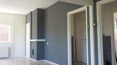 Hier zouden we in eerste instantie een muur weghalen en wat wandjes behandelen met latex. Maar we zouden onszelf niet zijn als het daar bij zou blijv... Appartement renovatie in Hilversum