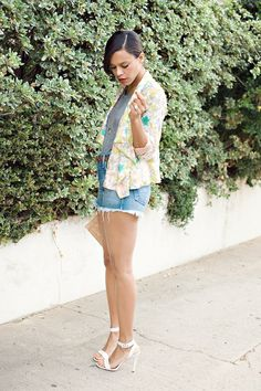 elaine turner giveaway - ootd, floral blazer from sugarlips, true religion high waist jean shorts & coach heels with elaine turner clutch