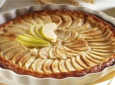 Recipe for Apple Tart (Tarte Tatin) - dummies Tart Recipes, Apple Recipes, Dessert Recipes, Holiday Recipes, Biggest Loser Recipes, American Apple Pie, French Apple Tart, Lactose Free Recipes, Apple Cheesecake