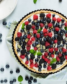 Tasty wild berries tart Berry Tart, Shortcrust Pastry, Homemade Pie, Dessert Recipes, Desserts, Custard, Acai Bowl, Berries, Tasty