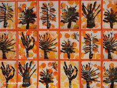 Un arbre d'automne. Arbre réalisé en pâte à modelée, puis photographié. Photo imprimée et collée sur un fond automnal