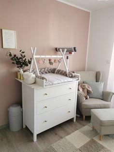 Baby Boy Rooms, Baby Bedroom, Baby Nursery Decor, Baby Decor, Newborn Room, Baby Life Hacks, Baby Dresser, Baby Room Design, Baby Furniture