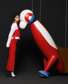 Karl Lagerfeld shoots Kendall Jenner and Lily Donaldson for the Fendi Fall/Winter 2015 'Arty Puppets' ad campaign. Sonia Delaunay, Bruce Weber, Kendall Jenner Photos, Kendall And Kylie, Kylie Jenner, Terry Richardson, Fendi, Steven Meisel, Fall Winter 2015