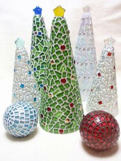 Mosaic Crafts, Mosaic Projects, Mosaic Art, Mosaic Glass, Mosaic Tiles, Christmas Mosaics, Stained Glass Christmas, Christmas Art, Mosaic Tile Designs