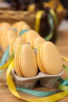 Egg-shaped Macaron C