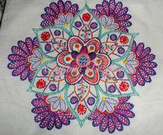 Mandala realizada por Veronica Gonzalez (alumna avanzada del Taller de Bordado Tradicional)