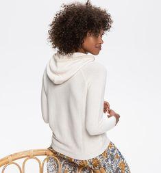 Sweat Shirt, Jeans, Lookbook, Raglan, Trends, Pulls, Winter Hats, Turtle Neck, Sweaters
