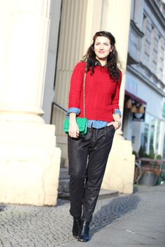 Leather Jogging Pants // for more inspiration visit www.samieze.com * berlin fashion blog