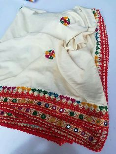 Hand Work Embroidery, Hand Embroidery Stitches, Embroidery Hoop Art, Hand Embroidery Designs, Embroidery Dress, Embroidery Patterns, Kurti Sleeves Design, Sleeves Designs For Dresses, Kutch Work Designs