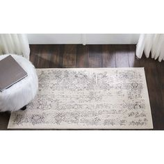 Silver Screen Ivory/Gray Area Rug