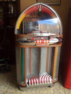 Radio Record Player, Record Players, Radios, Vintage Box, Mode Vintage, Jukebox, Rock And Roll, Rockabilly Rebel, Radio Antigua