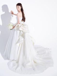 ハツコ エンドウ ウェディングス(Hatsuko Endo Weddings) 銀座店 モダンなデザインが特徴の「アントニオ・リーヴァ」は花嫁から支持を集めています