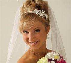 Pretty bridal headband . . .