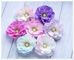 Scrapbooking, handmade cards and papercrafts by Lady E. Vintage, chipboards, shabby and more. Real Flowers, Diy Flowers, Fabric Flowers, Beautiful Flowers, Flower Ideas, Handmade Birthday Cards, Handmade Cards, Paper Crafts Magazine, Material Flowers
