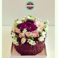 Mini Bolo Para a Caixa Especial de doçuras!  #anqf #anandaquefez #bolos #doces #sobremesas #minibolo #chocolate #brigadeiro #bh #instabh #flores #mimo #presente granuladobelga