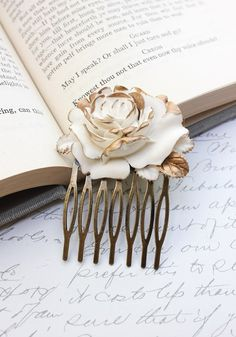 Rose Hair Comb Ivory Cream Rose Gold Petals Shabby Chic Bridal Wedding French Romantic Floral Hair Accessories Antique Brass Vintage Style