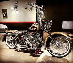 Triumph Motorcycles, Cool Motorcycles, Chicano, Harley Bikes, Harley Davidson Motorcycles, Street Bob, Bobbers, Custom Street Bikes, Custom Bikes