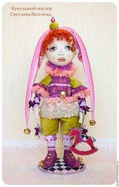 Коллекционные куклы ручной работы. Ярмарка Мастеров - ручная работа. Купить авторская кукла МАЛЕНЬКИЙ ШУТ. Handmade. Сиреневый
