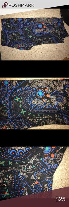 TC USED PAISLEY LULAROE LEGGINGS UNICORN ALERT!  These beautiful leggings are TC. Worn and washed once per LLR. Fading in crotch. Not noticeable when wearing. I'm just a lula addict helping people find their unicorns! Feel free to make me an offer through the comments ❤ LuLaRoe Pants Leggings