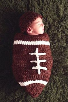 Baby Boy Girl Crochet NFL Football Cocoon with Beanie Hat Set Newborn Costume Photography Photo Props BROWN