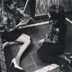 Ariana Grande & Camila Cabello