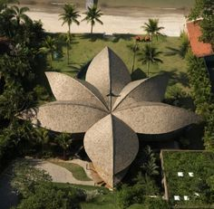 the leaf house- click on the link! I just saw this on Extreme Homes