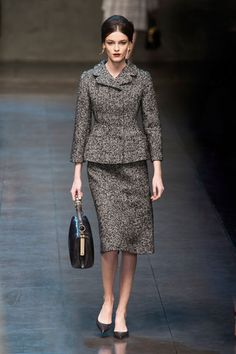 Fall 2013 Trend Report - Runway Fall Fashion Trends 2013 - Harper's BAZAAR -- Dolce & Gabbana Source by AdiamantaK Fall Fashion Fall Fashion Trends, Autumn Fashion, Milan Fashion, Workwear Fashion, Fall Trends, Fashion Bloggers, Review Fashion, Fashion Articles, Look Chic