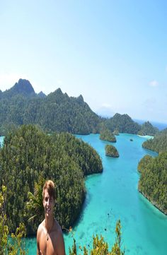 Raja Ampat is located in West Papua, and even if it is part of Indonesia, it does not share most of the tradition, religion, race and culture. West Papua, Cheap Web Hosting, Bali, Water, Paradise, Outdoor, Gripe Water, Outdoors, Outdoor Games