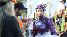 Power Rangers movie behind the scenes Mascot Costumes, Cosplay Costumes, Power Rangers Pictures, Power Rangers Movie 2017, Power Rengers, Pink Costume, Naomi Scott, Movies And Series, Anime Guys