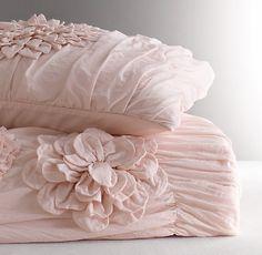 Olive's Bedsheets Washed Appliquéd Fleur Toddler Quilt
