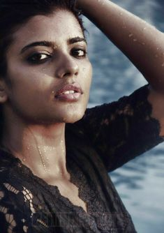 Hd Photos, Girl Photos, Facebook Profile Photo, Bollywood Girls, Girl Photo Poses, Tamil Actress, Hot Actresses, Still Image, Celebrities