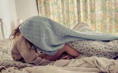 Girl Photos Bed HD