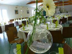 Décoration florale pour un mariage sur le thème des bulles