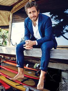 Jake Gyllenhaal on barefeet. Mode Masculine, Male Foot Worship, Oscar 2017, Barefoot Men, Bear Men, Jake Gyllenhaal, Male Feet, Intense Workout, Well Dressed Men