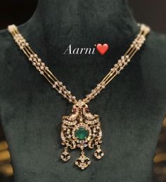Fancy Jewellery, Gold Jewellery Design, Diamond Jewellery, Gold Haram Designs, Gold Earrings Designs, Emerald Jewelry, Gold Jewelry, Gold Necklace, Siri
