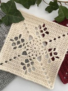 Crochet Circle Pattern, Crochet Motif Patterns, Crochet Lace Edging, Crochet Circles, Crochet Squares, Crochet Designs, Easy Crochet, Crochet Hooks, Knitting Patterns