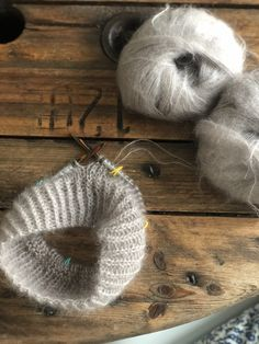 Strikketips for begyndere - Annes finurlige univers Knitted Fabric, Knit Crochet, Magic Loop, Garter Stitch, Knitting For Beginners, Knit Patterns, Knitting Projects, Sewing Hacks, Lana