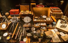 Beautiful set of different watch maker tools! Cool Watches, Watches For Men, Maker Studios, Clock Shop, Precision Tools, Prop Design, Fantasy Inspiration, Designs To Draw, Watch Bands