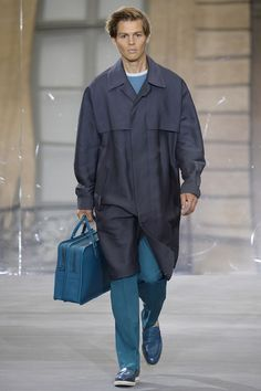 Catwalk photos and all the looks from Berluti Spring/Summer 2016 Menswear Paris Fashion Week