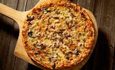 Pizza aux champignons, bifteck et fromage