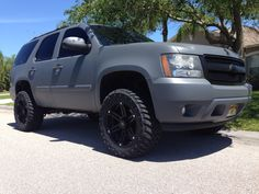 2007 Chevy Tahoe / Gunmetal grey