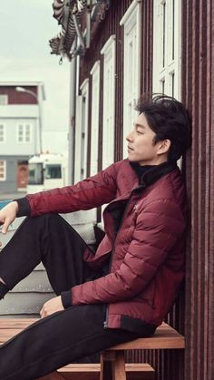 He looks so cool! Asian Celebrities, Asian Actors, Korean Actors, Asian Men Fashion, Sexy Asian Men, Gong Yoo, Hot Actors, Actors & Actresses, Goblin Korean Drama