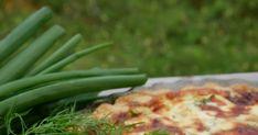 Mitä tehdä kun jääkaapissa on vähän ylisuolattua graavilohta. Kyllä sitä voi leivänki päällä syödä mutta sitä oli sen verran iso pala e... Iso, Green Beans, Vegetables, Veggies, Veggie Food, Vegetable Recipes, Green Bean