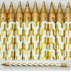 Golden pens, please. A lot of them. #officesupplies #pens #gold