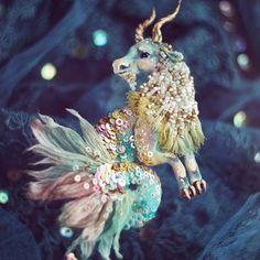Исправляюсь, показываю! #козерог #брошь #ff_bird ♑️ #ручнаяработа #вышивка #пайетки #handmade #embroidery #embellished